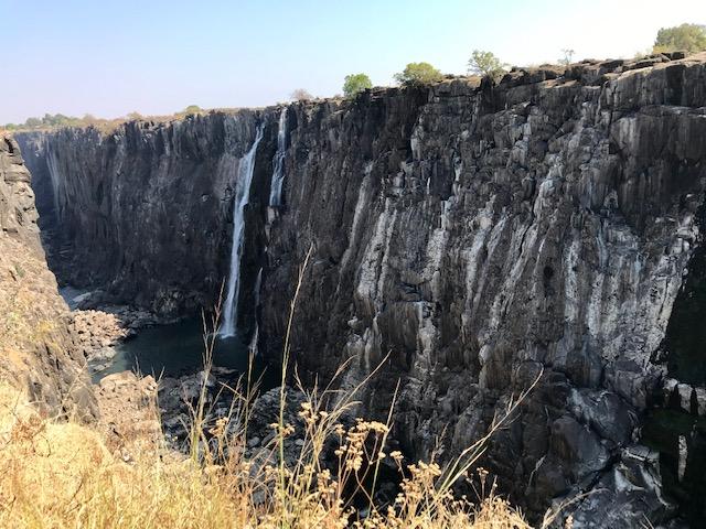 De Victoria Watervallen zijn vanaf Zambia nogal droog in de winter